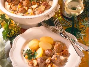 Mettbällchen in Pilz-Weißwein-Soße Rezept