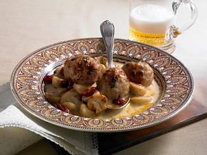 Mettklopse in Pilz-Cranberriesoße Rezept