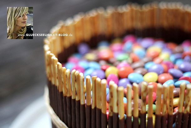 mikado torte mit smarties rezept lecker. Black Bedroom Furniture Sets. Home Design Ideas