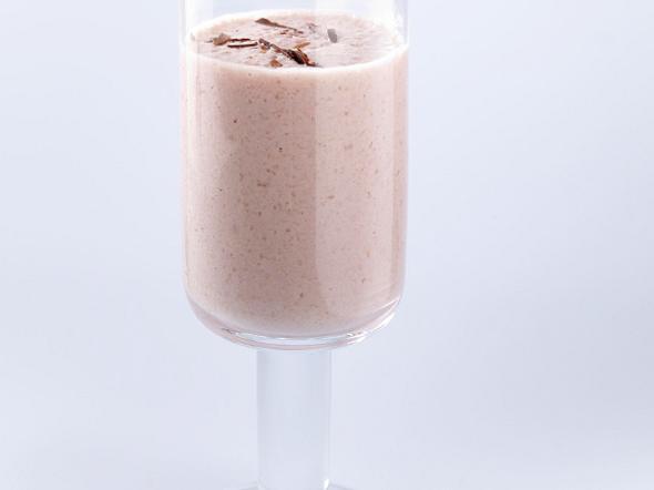 Milch-Shake mit Orange, Honig und Buttermilch Rezept