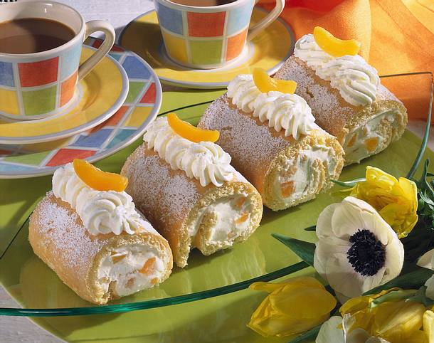 Mini-Biskuitrollen mit Aprikosen-Mascarpone-Füllung Rezept