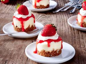 Mini-Erdbeer-Törtchen Rezept
