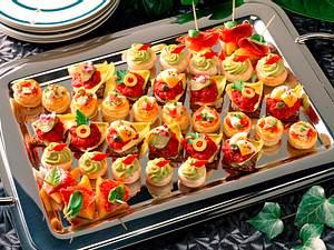 Mini-Pasteten mit Geflügelsalat Rezept