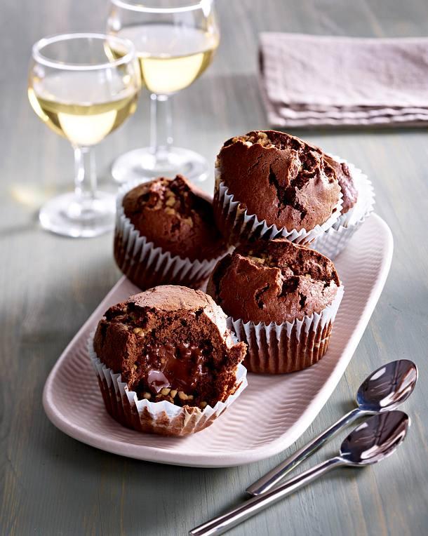 mini schoko muffins mit nougatkern und krokant rezept lecker. Black Bedroom Furniture Sets. Home Design Ideas
