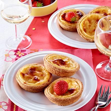 Mini-Vanille-Flan mit Erdbeeren Rezept
