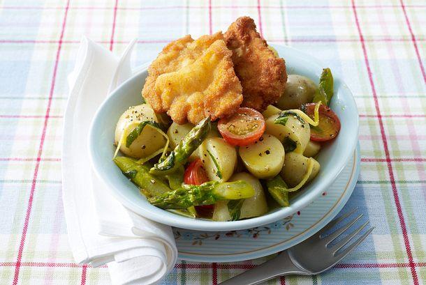 Minischnitzel auf Spargel-Kartoffelsalat Rezept