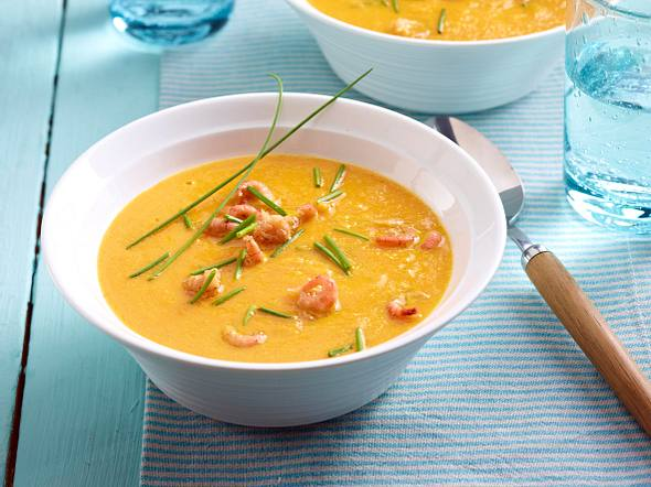 Möhren-Ingwer-Suppe mit Nordseekrabben Rezept