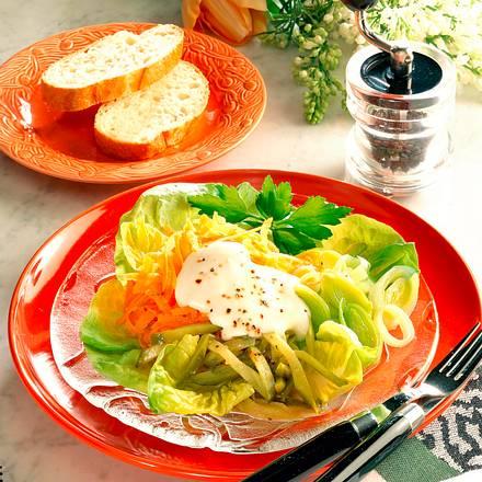 Möhren-Lauch-Salat Rezept