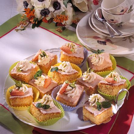 Möhren-Mandel-Blechkuchen mit Guss Rezept