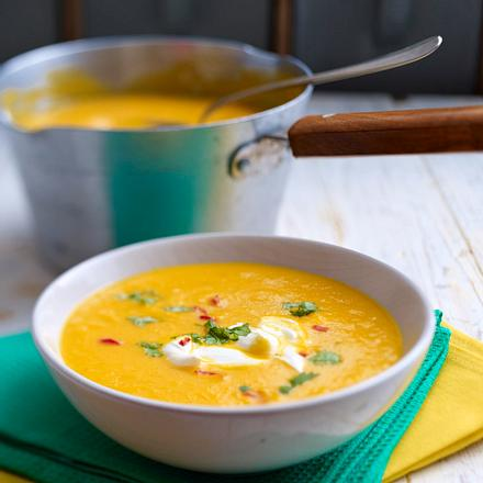 Möhren-Orangen-Suppe mit Ingwer Rezept