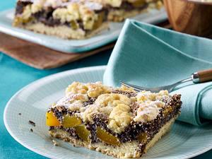Mohn-Streuselkuchen mit Aprikosen Rezept