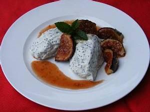 Mohnmousse mit Karamellisierten Feigen Rezept