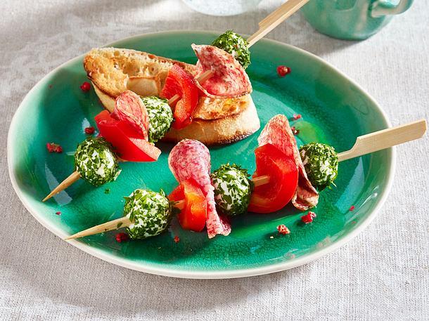 Mozzarella-Salami-Spieße Rezept
