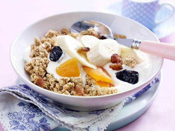 Müsli mit Joghurt und Bananen Rezept