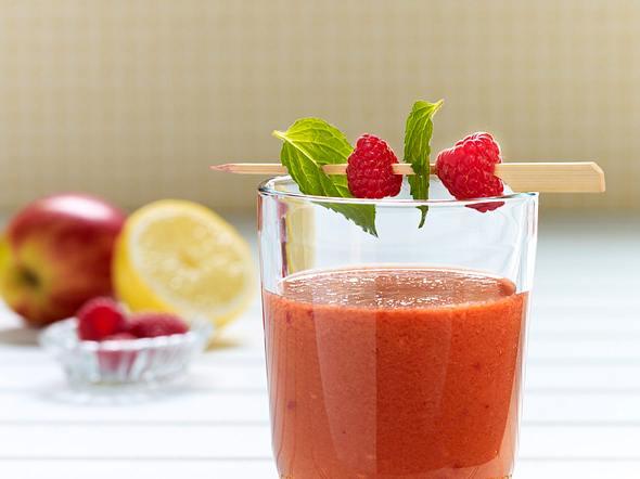 Multivitamin-Drink mit Sanddorn und Himbeeren Rezept