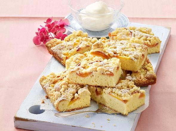 Nektarinen-Blechkuchen mit Ingwer-Streuseln Rezept