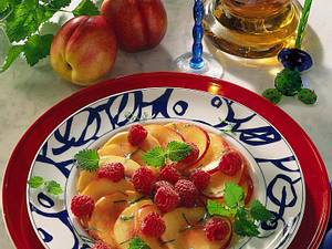 Nektarinen-Himbeer-Salat Rezept
