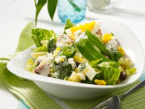 Nudel-Broccoli-Salat mit Bärlauchsoße Rezept