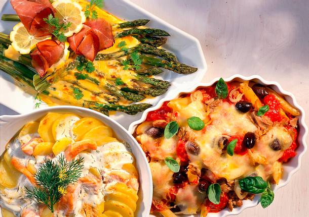 Nudel-Thunfisch-Gratin mit Tomatensoße Rezept