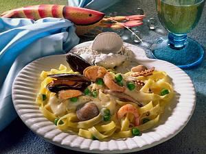 Nudeln mit Meeresfrüchten Rezept