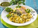 Nudeln mit Sommer-Pesto und Hähnchenfilet Rezept