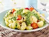 Nudeln mit Spinat-Käse-Soße Rezept