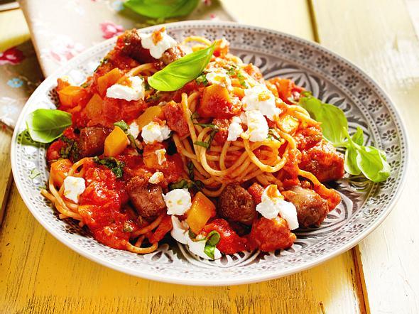 Nudeln mit Süßkartoffel-Tomaten-Soße Rezept