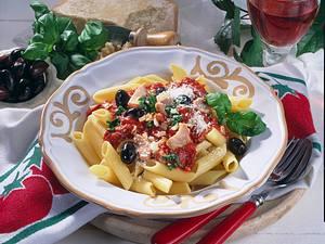 Nudeln mit Tomaten-Thunfisch-Soße Rezept