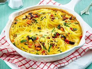 Nudelomelett mit Möhre und Zucchini Rezept