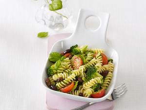 Nudelsalat mit Broccoli und Tomaten (Flat Belly Diät) Rezept