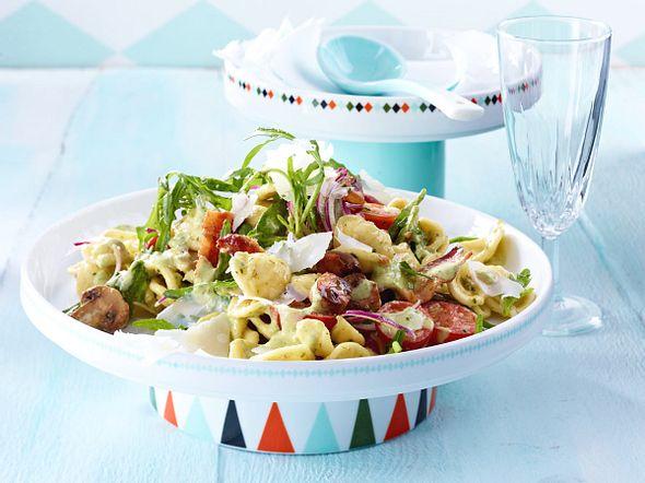 Nudelsalat mit Pesto-Salatcreme Rezept