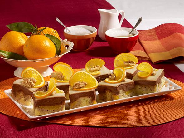 Nuss-Marzipan-Donauwelle mit Orangen Rezept