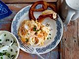 Obatzda mit Brezn und Rettich-Schnittlauch-Salat Rezept