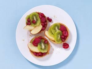 Obst-Biskuitschnitte Rezept