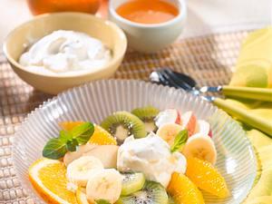 Obstsalat mit Joghurt-Honigsoße Rezept