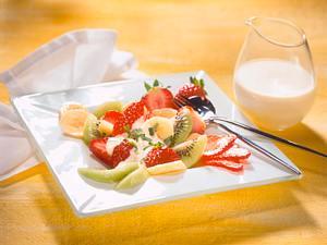 Obstsalat mit Vanille-Sahnesoße Rezept