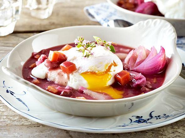 Oeufs en meurette (Pochierte Eier in Rotweinsoße) Rezept