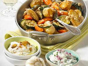 Ofengemüse mit Sesam & Joghurt-Dips Rezept
