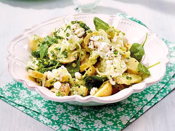 Office-Kartoffelsalat mit leichtem Gurkendressing und Hüttenkäse-Tsatsiki Rezept