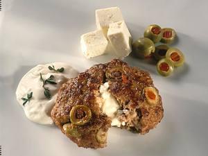 Olivenfrikadellen mit Schafskäse gefüllt Rezept