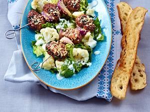 Orientalische Hack-Spießchen zu Blumenkohl-Salat Rezept