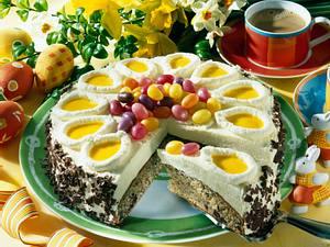 Oster-Nuss-Eierlikörtorte Rezept