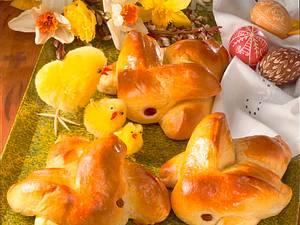 Osterhasen aus Hefeteig Rezept