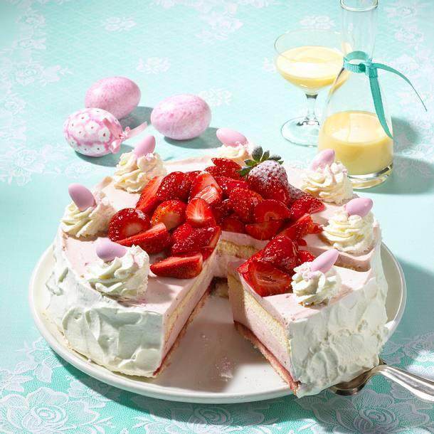 Ostertorte mit Eierlikörcreme und Erdbeeren Rezept