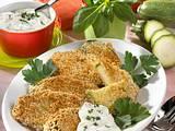 Panierte Zucchinischeiben mit Kräuter-Dip Rezept