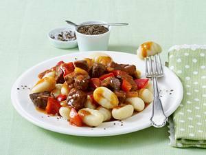 Paprika-Gulasch mit Gnocchi (Diäko Tag 5 Hauptgericht) Rezept