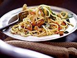 Pasta mit Spinat, Süßkartoffelwürfeln und Ziegenfrischkäse Rezept