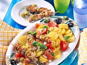 Pellkartoffel-Tomaten-Salat mit Schnitzelspießchen Rezept