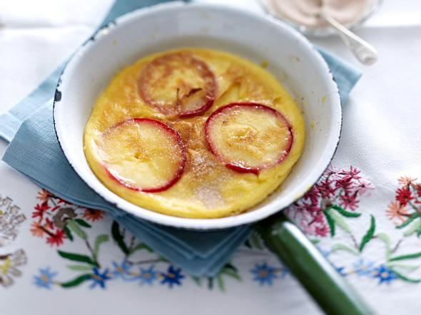 Pfannkuchen mit Apfelringen und Zimt Rezept
