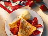 Pfannkuchen mit Erdbeeren und Eis Rezept